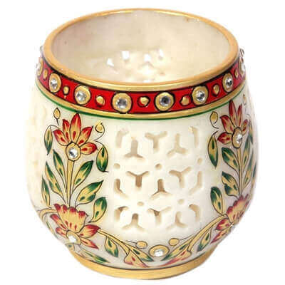 Picture of beautifuly crafted Jaalidaar marble candle stand