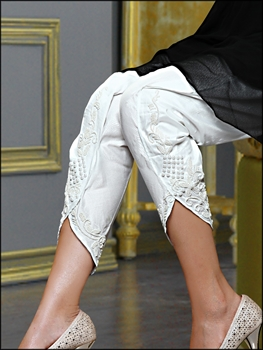 Picture of White Exclusive Tulip Pant