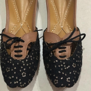 Picture of Women US 9 Brogue Shoes/ Black golden wedding shoes