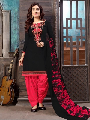 Picture of P1009 Heavy Embroidery Patiala Collection