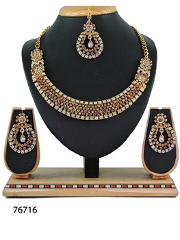 Picture of N76716 Designer Imitation Jewellery Necklace Set