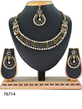 Picture of N76714 Designer Imitation Jewellery Necklace Set