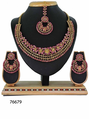 Picture of 76679 Imitation Jewellery Heavy Necklace Set