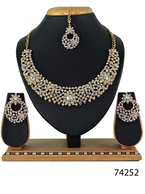 Picture of 74252 Imitation Jewellery Nacklace Set Collection