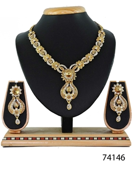 Picture of 74146 Imitation Jewellery Nacklace Set Collection
