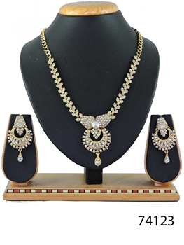 Picture of 74123 Imitation Jewellery Nacklace Set Collection