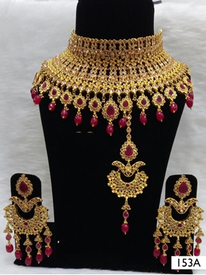 Picture of 153A Maroon Pearl Bridal Wear Necklace Set With Maang Tika
