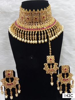 Picture of 142C  Maroon Bridal Wear Necklace Set With Maang Tika