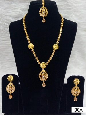 Picture of 30A White Diamond Work Necklace Set with Maang Tika