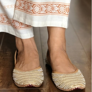 Picture of Gold Sequin party shoes